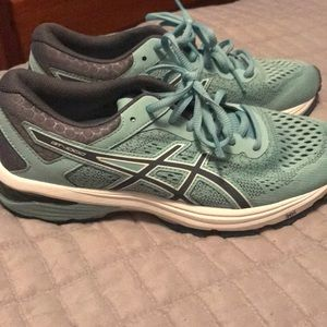 ASICS brand new tennis shoes